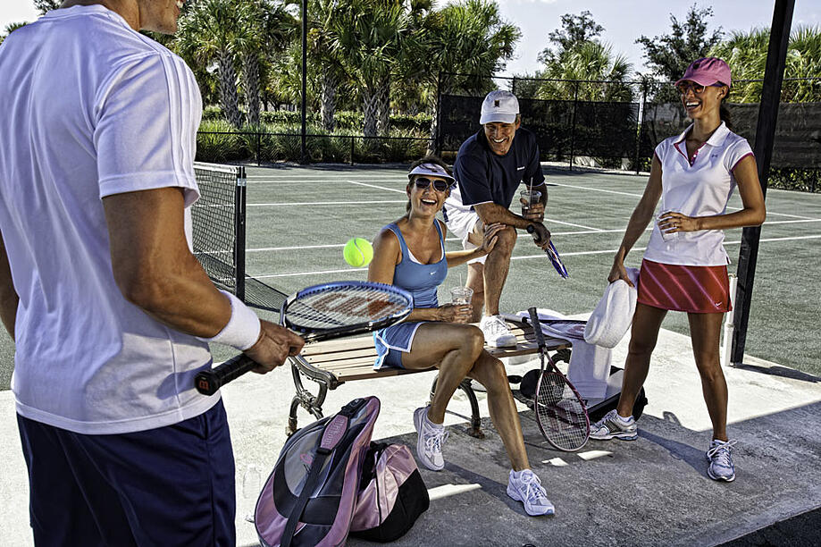 The Founders Club amenities will keep you active and healthy while having fun and socializing.